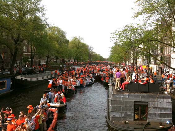 Queensday Amsterdam Canals Traffic Jam