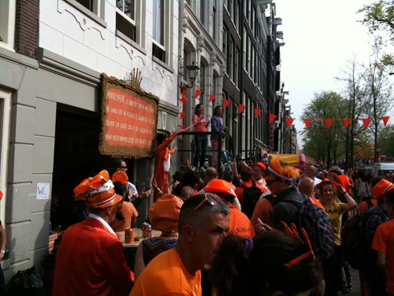 Queensday Amsterdam Singalong