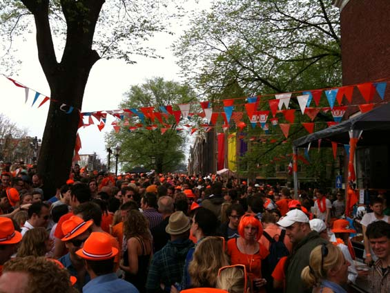 Queensday Amsterdam Traffic Coming Through
